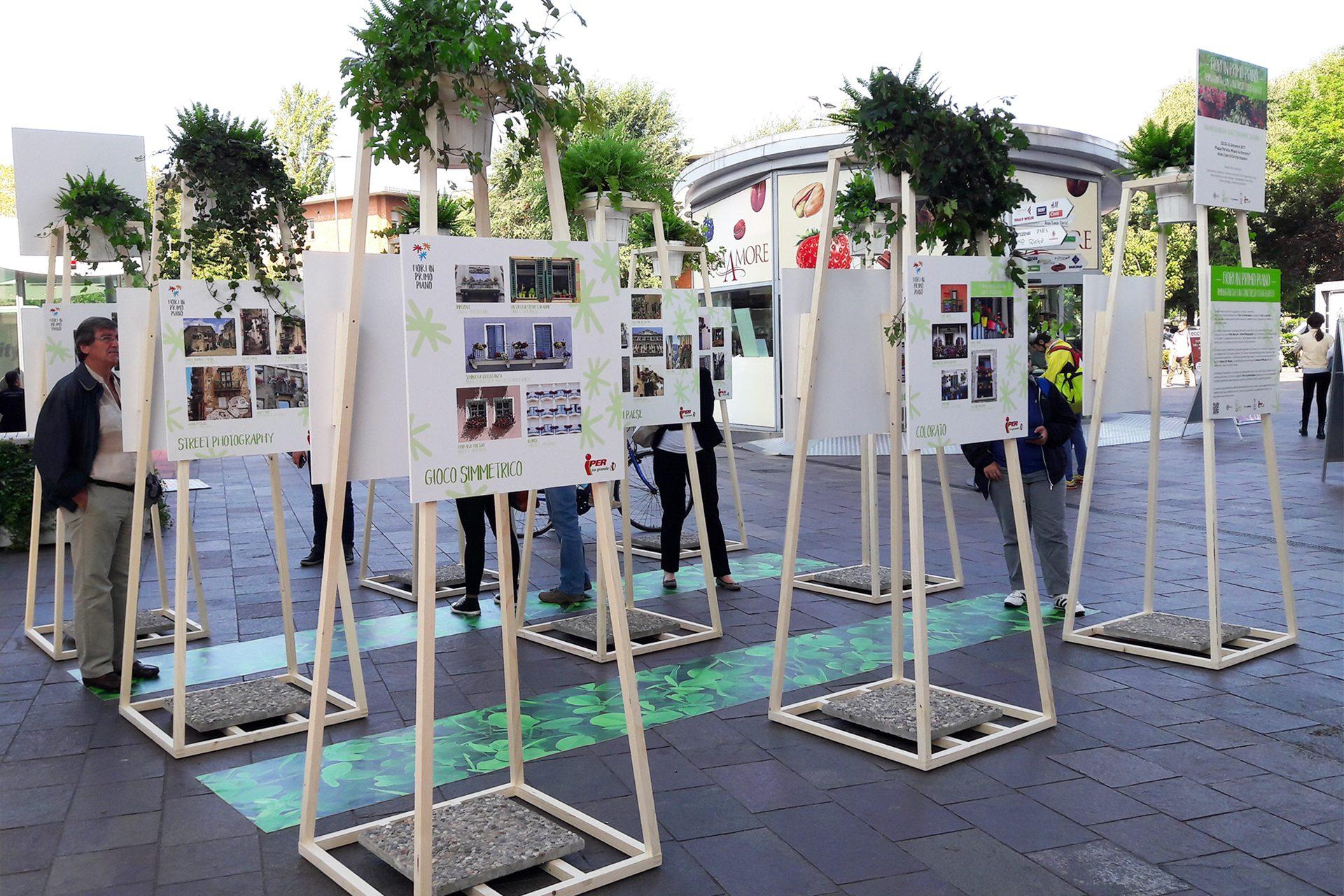 Mostra fotografica in piazza